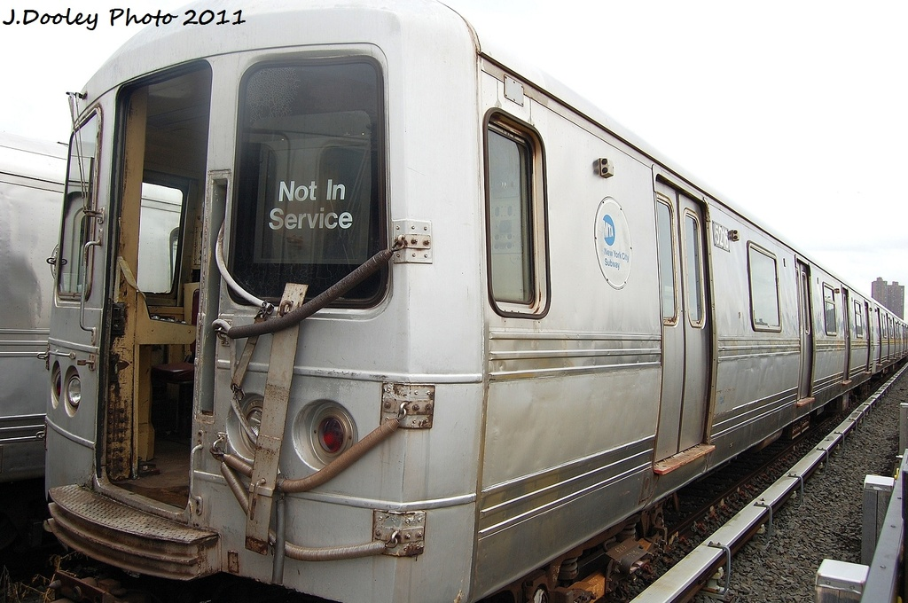 (307k, 1024x680)<br><b>Country:</b> United States<br><b>City:</b> New York<br><b>System:</b> New York City Transit<br><b>Location:</b> 207th Street Yard<br><b>Car:</b> R-44 (St. Louis, 1971-73) 5216 <br><b>Photo by:</b> John Dooley<br><b>Date:</b> 11/29/2011<br><b>Viewed (this week/total):</b> 0 / 468
