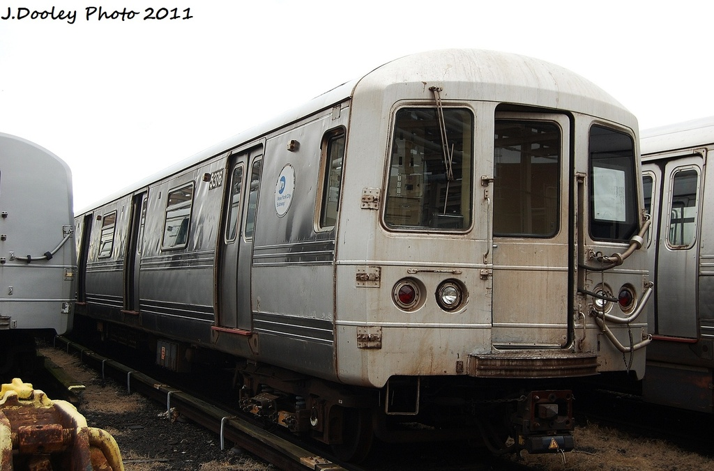 (274k, 1024x676)<br><b>Country:</b> United States<br><b>City:</b> New York<br><b>System:</b> New York City Transit<br><b>Location:</b> 207th Street Yard<br><b>Car:</b> R-44 (St. Louis, 1971-73) 5376 <br><b>Photo by:</b> John Dooley<br><b>Date:</b> 11/29/2011<br><b>Viewed (this week/total):</b> 0 / 150