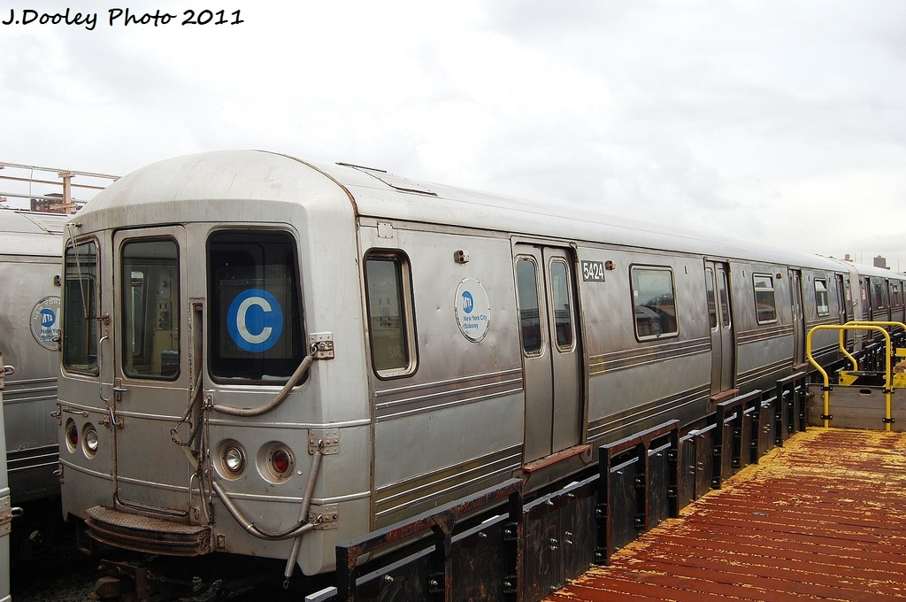 (300k, 1024x680)<br><b>Country:</b> United States<br><b>City:</b> New York<br><b>System:</b> New York City Transit<br><b>Location:</b> 207th Street Yard<br><b>Car:</b> R-44 (St. Louis, 1971-73) 5424 <br><b>Photo by:</b> John Dooley<br><b>Date:</b> 11/29/2011<br><b>Viewed (this week/total):</b> 2 / 776