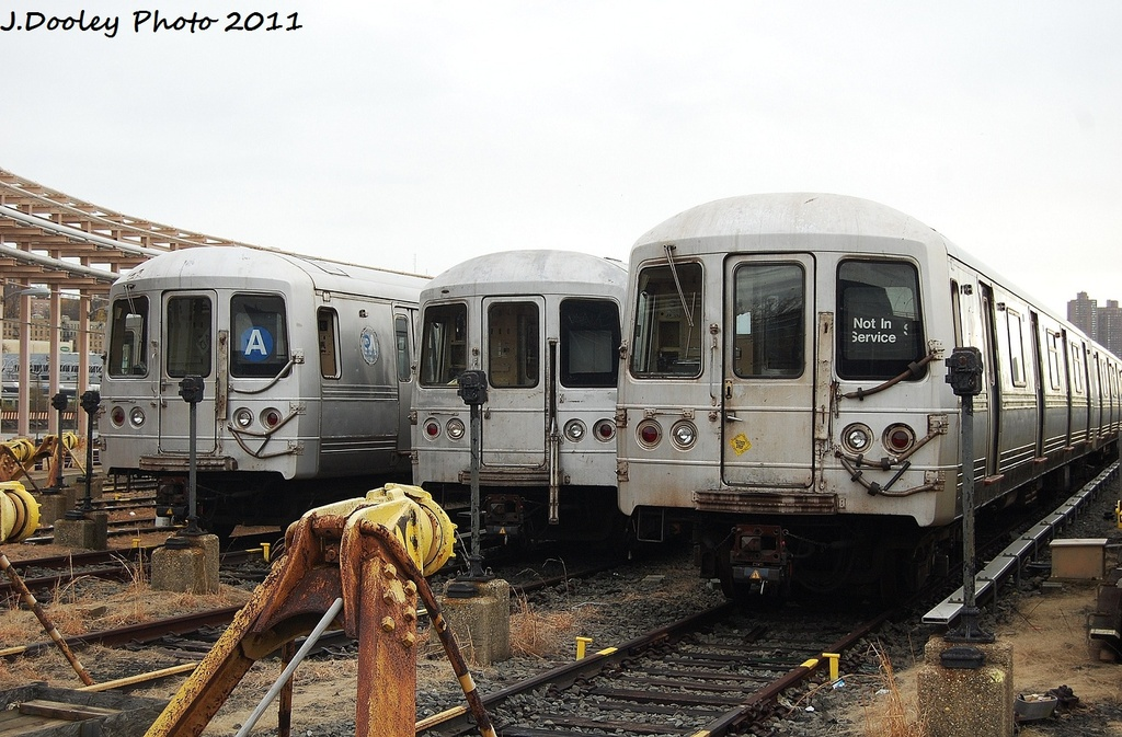 (340k, 1024x673)<br><b>Country:</b> United States<br><b>City:</b> New York<br><b>System:</b> New York City Transit<br><b>Location:</b> 207th Street Yard<br><b>Car:</b> R-44 (St. Louis, 1971-73)  <br><b>Photo by:</b> John Dooley<br><b>Date:</b> 11/29/2011<br><b>Viewed (this week/total):</b> 1 / 520