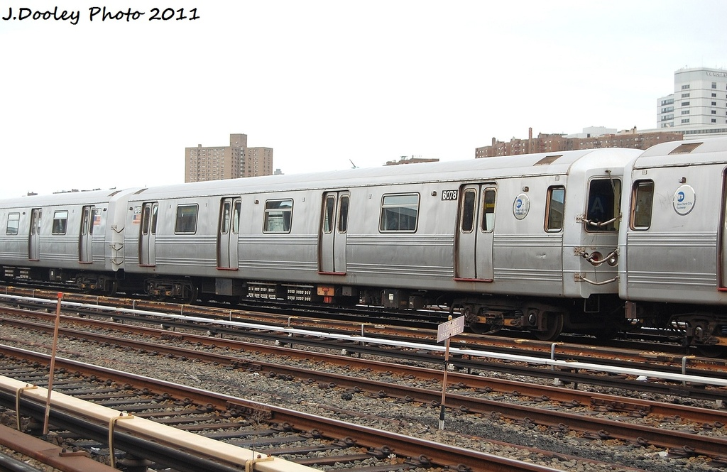 (309k, 1024x665)<br><b>Country:</b> United States<br><b>City:</b> New York<br><b>System:</b> New York City Transit<br><b>Location:</b> 207th Street Yard<br><b>Car:</b> R-46 (Pullman-Standard, 1974-75) 6078 <br><b>Photo by:</b> John Dooley<br><b>Date:</b> 11/29/2011<br><b>Viewed (this week/total):</b> 0 / 306