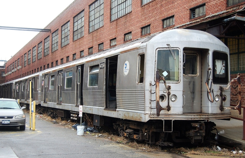 (401k, 1024x660)<br><b>Country:</b> United States<br><b>City:</b> New York<br><b>System:</b> New York City Transit<br><b>Location:</b> 207th Street Yard<br><b>Car:</b> R-42 (St. Louis, 1969-1970)  4739 <br><b>Photo by:</b> John Dooley<br><b>Date:</b> 11/29/2011<br><b>Viewed (this week/total):</b> 2 / 351