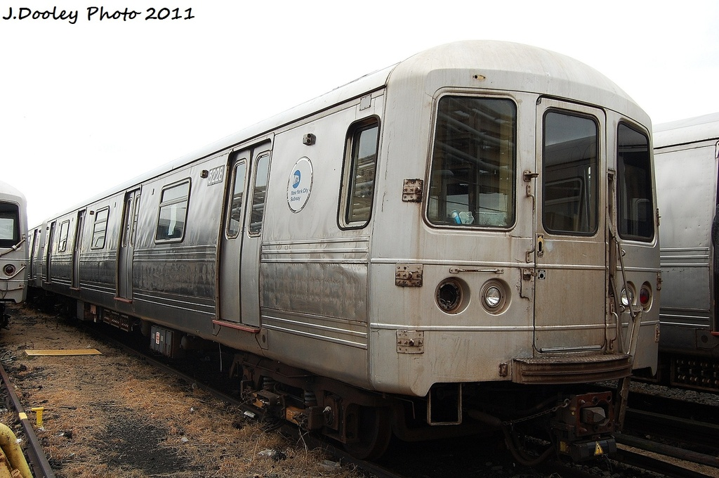 (305k, 1024x680)<br><b>Country:</b> United States<br><b>City:</b> New York<br><b>System:</b> New York City Transit<br><b>Location:</b> 207th Street Yard<br><b>Car:</b> R-44 (St. Louis, 1971-73) 5228 <br><b>Photo by:</b> John Dooley<br><b>Date:</b> 11/29/2011<br><b>Viewed (this week/total):</b> 4 / 118