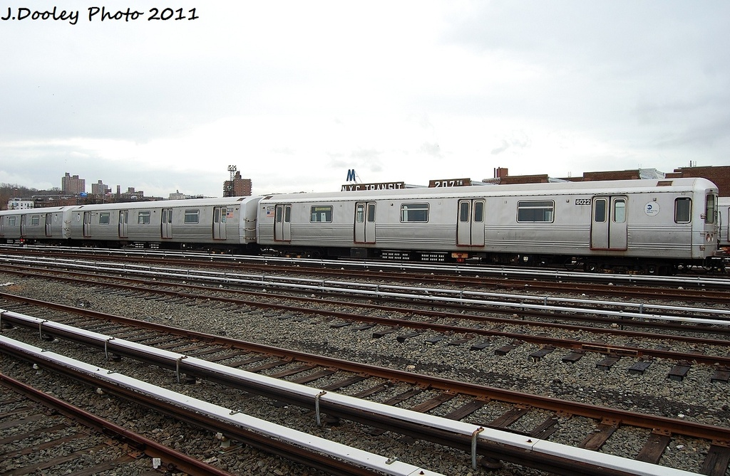 (345k, 1024x669)<br><b>Country:</b> United States<br><b>City:</b> New York<br><b>System:</b> New York City Transit<br><b>Location:</b> 207th Street Yard<br><b>Car:</b> R-46 (Pullman-Standard, 1974-75) 6022 <br><b>Photo by:</b> John Dooley<br><b>Date:</b> 11/29/2011<br><b>Viewed (this week/total):</b> 2 / 169