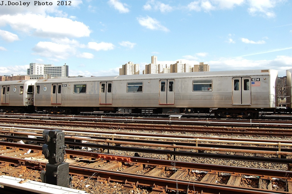 (383k, 1024x680)<br><b>Country:</b> United States<br><b>City:</b> New York<br><b>System:</b> New York City Transit<br><b>Location:</b> 207th Street Yard<br><b>Car:</b> R-46 (Pullman-Standard, 1974-75) 6214 <br><b>Photo by:</b> John Dooley<br><b>Date:</b> 2/1/2012<br><b>Viewed (this week/total):</b> 3 / 443