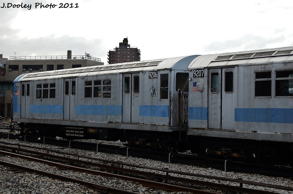 (314k, 1024x680)<br><b>Country:</b> United States<br><b>City:</b> New York<br><b>System:</b> New York City Transit<br><b>Location:</b> 207th Street Yard<br><b>Car:</b> R-33 Main Line (St. Louis, 1962-63) 9206 <br><b>Photo by:</b> John Dooley<br><b>Date:</b> 11/29/2011<br><b>Viewed (this week/total):</b> 2 / 313