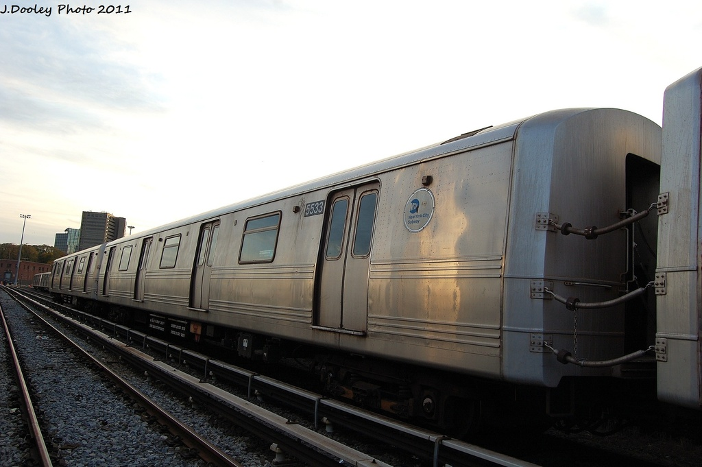 (239k, 1024x681)<br><b>Country:</b> United States<br><b>City:</b> New York<br><b>System:</b> New York City Transit<br><b>Location:</b> Jamaica Yard/Shops<br><b>Car:</b> R-46 (Pullman-Standard, 1974-75) 5533 <br><b>Photo by:</b> John Dooley<br><b>Date:</b> 11/19/2011<br><b>Viewed (this week/total):</b> 2 / 251