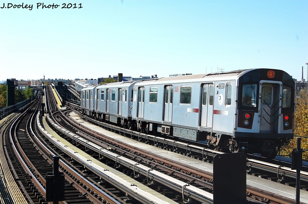 (359k, 1024x680)<br><b>Country:</b> United States<br><b>City:</b> New York<br><b>System:</b> New York City Transit<br><b>Line:</b> IRT Pelham Line<br><b>Location:</b> Middletown Road <br><b>Route:</b> 6<br><b>Car:</b> R-142A (Primary Order, Kawasaki, 1999-2002)  7281 <br><b>Photo by:</b> John Dooley<br><b>Date:</b> 11/5/2011<br><b>Viewed (this week/total):</b> 1 / 152