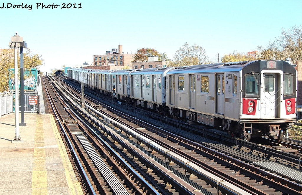 (399k, 1024x662)<br><b>Country:</b> United States<br><b>City:</b> New York<br><b>System:</b> New York City Transit<br><b>Line:</b> IRT Pelham Line<br><b>Location:</b> Middletown Road <br><b>Route:</b> 6<br><b>Car:</b> R-142A (Primary Order, Kawasaki, 1999-2002)  7515 <br><b>Photo by:</b> John Dooley<br><b>Date:</b> 11/5/2011<br><b>Viewed (this week/total):</b> 3 / 168