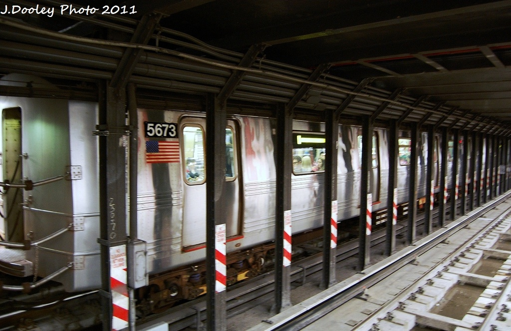 (322k, 1024x663)<br><b>Country:</b> United States<br><b>City:</b> New York<br><b>System:</b> New York City Transit<br><b>Line:</b> BMT Broadway Line<br><b>Location:</b> Cortlandt Street-World Trade Center <br><b>Route:</b> R<br><b>Car:</b> R-46 (Pullman-Standard, 1974-75) 5673 <br><b>Photo by:</b> John Dooley<br><b>Date:</b> 9/6/2011<br><b>Viewed (this week/total):</b> 4 / 744