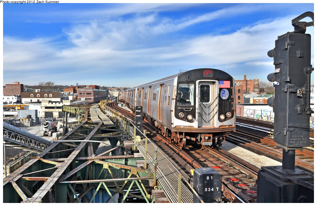 (438k, 1044x680)<br><b>Country:</b> United States<br><b>City:</b> New York<br><b>System:</b> New York City Transit<br><b>Line:</b> BMT Culver Line<br><b>Location:</b> Ditmas Avenue <br><b>Route:</b> F<br><b>Car:</b> R-160B (Option 2) (Kawasaki, 2009)  9872 <br><b>Photo by:</b> Zach Summer<br><b>Date:</b> 12/30/2011<br><b>Viewed (this week/total):</b> 3 / 694