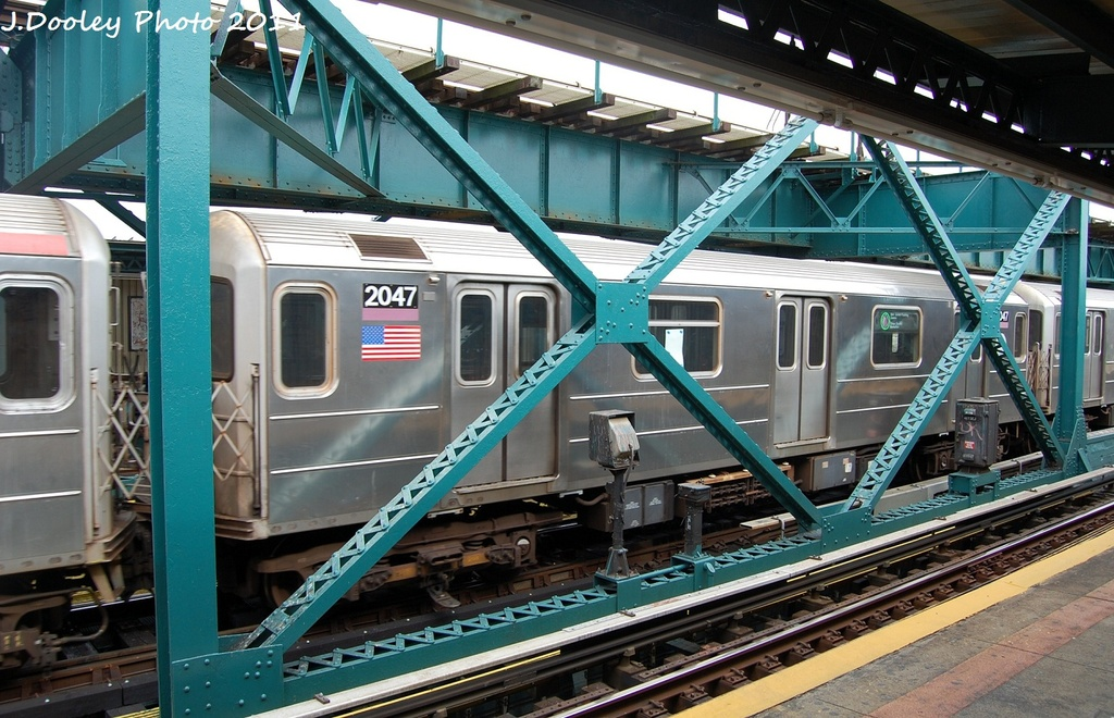 (354k, 1024x660)<br><b>Country:</b> United States<br><b>City:</b> New York<br><b>System:</b> New York City Transit<br><b>Line:</b> IRT Flushing Line<br><b>Location:</b> 111th Street <br><b>Route:</b> 7<br><b>Car:</b> R-62A (Bombardier, 1984-1987)  2047 <br><b>Photo by:</b> John Dooley<br><b>Date:</b> 10/12/2011<br><b>Viewed (this week/total):</b> 2 / 769
