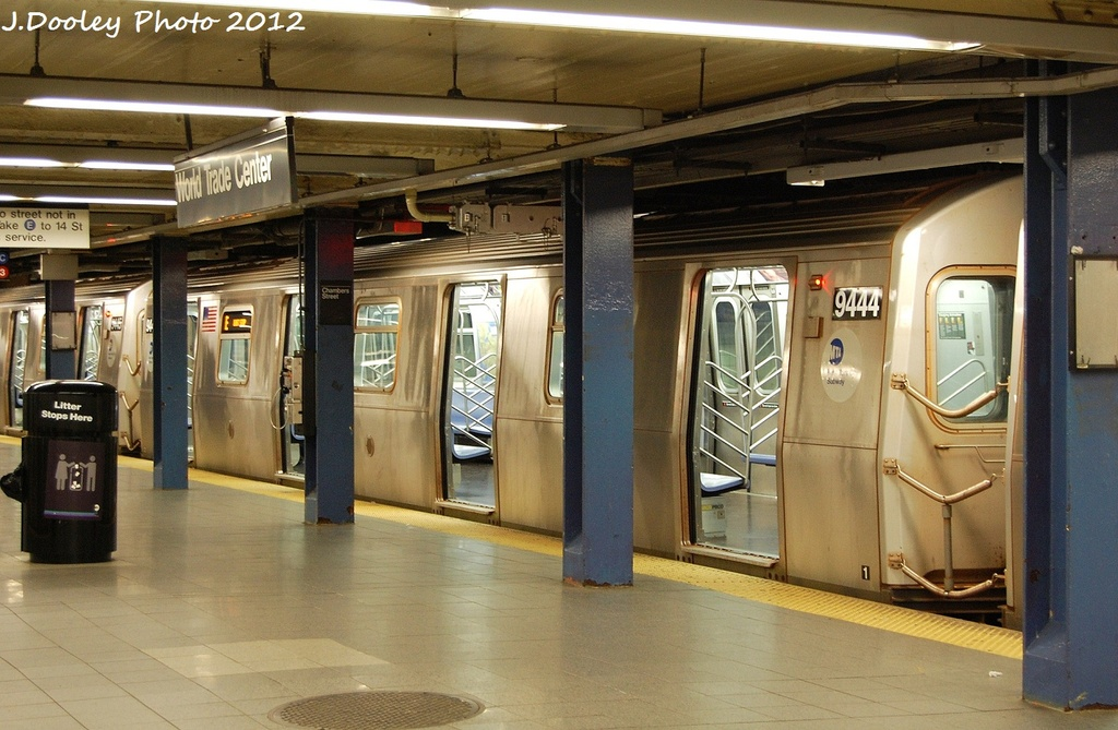 (323k, 1024x669)<br><b>Country:</b> United States<br><b>City:</b> New York<br><b>System:</b> New York City Transit<br><b>Line:</b> IND 8th Avenue Line<br><b>Location:</b> Chambers Street/World Trade Center <br><b>Route:</b> E<br><b>Car:</b> R-160A (Option 1) (Alstom, 2008-2009, 5 car sets)  9444 <br><b>Photo by:</b> John Dooley<br><b>Date:</b> 1/5/2012<br><b>Viewed (this week/total):</b> 2 / 362