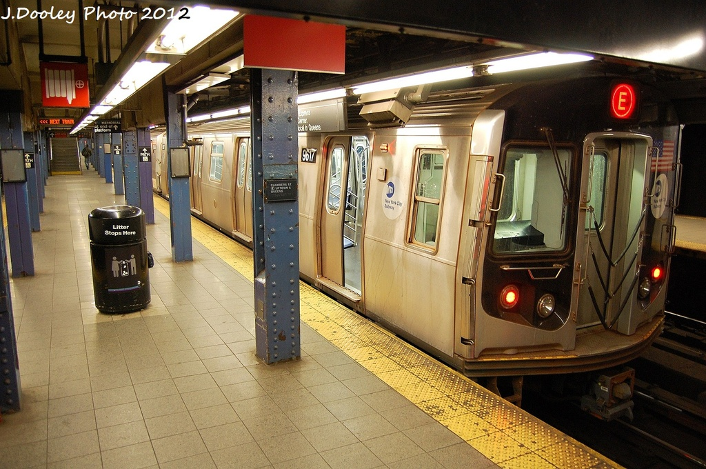 (374k, 1024x680)<br><b>Country:</b> United States<br><b>City:</b> New York<br><b>System:</b> New York City Transit<br><b>Line:</b> IND 8th Avenue Line<br><b>Location:</b> Chambers Street/World Trade Center <br><b>Route:</b> E<br><b>Car:</b> R-160A (Option 2) (Alstom, 2009, 5-car sets)  9617 <br><b>Photo by:</b> John Dooley<br><b>Date:</b> 1/5/2012<br><b>Viewed (this week/total):</b> 2 / 335