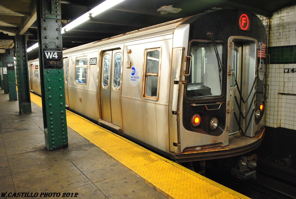 (310k, 1024x687)<br><b>Country:</b> United States<br><b>City:</b> New York<br><b>System:</b> New York City Transit<br><b>Line:</b> IND 6th Avenue Line<br><b>Location:</b> West 4th Street/Washington Square <br><b>Route:</b> F<br><b>Car:</b> R-160A (Option 1) (Alstom, 2008-2009, 5 car sets)  9588 <br><b>Photo by:</b> Wilfredo Castillo<br><b>Date:</b> 4/21/2012<br><b>Viewed (this week/total):</b> 0 / 264