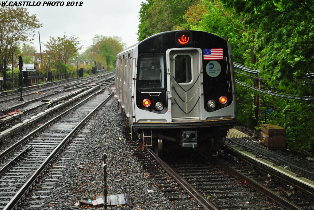 (411k, 1024x687)<br><b>Country:</b> United States<br><b>City:</b> New York<br><b>System:</b> New York City Transit<br><b>Line:</b> BMT Brighton Line<br><b>Location:</b> Kings Highway <br><b>Route:</b> Q<br><b>Car:</b> R-160B (Kawasaki, 2005-2008)  8843 <br><b>Photo by:</b> Wilfredo Castillo<br><b>Date:</b> 4/22/2012<br><b>Viewed (this week/total):</b> 2 / 242