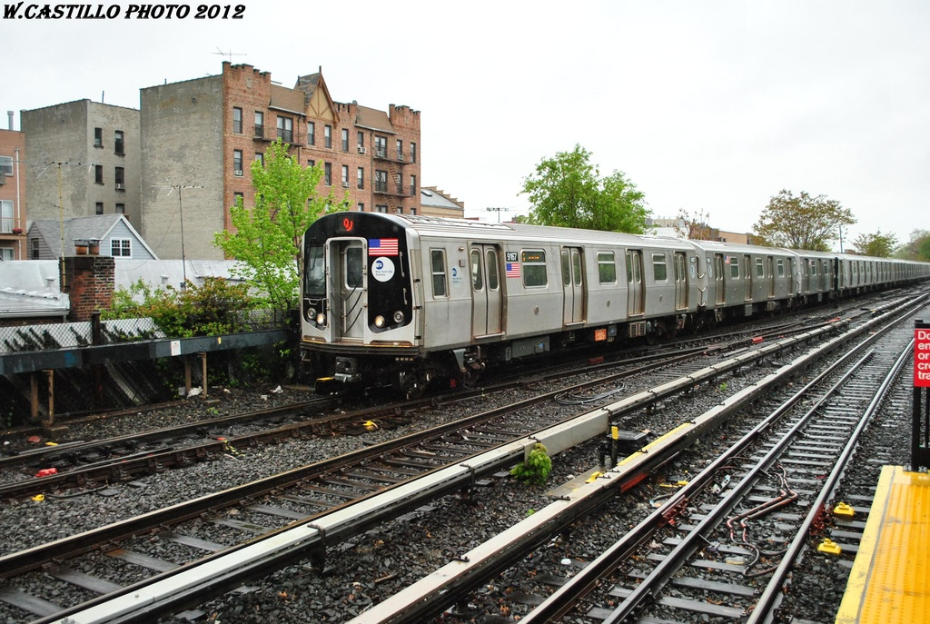 (371k, 1024x687)<br><b>Country:</b> United States<br><b>City:</b> New York<br><b>System:</b> New York City Transit<br><b>Line:</b> BMT Brighton Line<br><b>Location:</b> Kings Highway <br><b>Route:</b> Q<br><b>Car:</b> R-160B (Option 1) (Kawasaki, 2008-2009)  9167 <br><b>Photo by:</b> Wilfredo Castillo<br><b>Date:</b> 4/22/2012<br><b>Viewed (this week/total):</b> 1 / 561