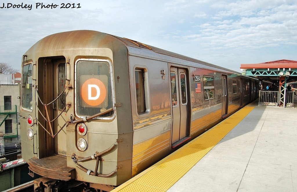 (350k, 1024x664)<br><b>Country:</b> United States<br><b>City:</b> New York<br><b>System:</b> New York City Transit<br><b>Line:</b> BMT West End Line<br><b>Location:</b> 62nd Street <br><b>Route:</b> D<br><b>Car:</b> R-68 (Westinghouse-Amrail, 1986-1988)  2584 <br><b>Photo by:</b> John Dooley<br><b>Date:</b> 12/5/2011<br><b>Viewed (this week/total):</b> 5 / 250