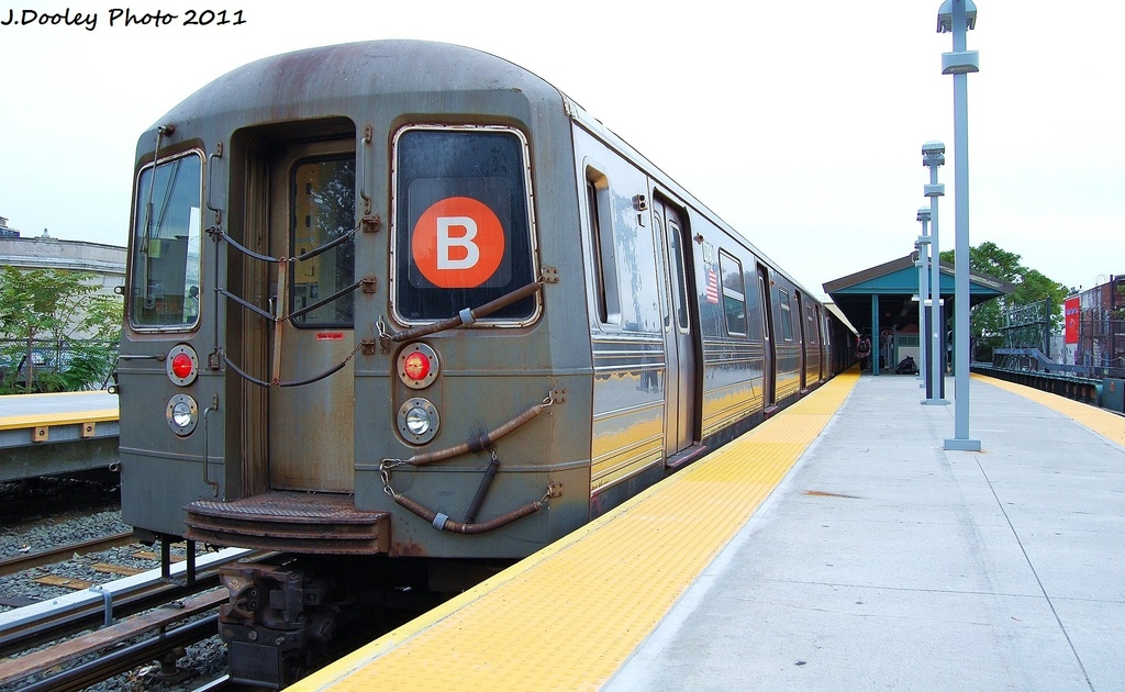 (295k, 1024x630)<br><b>Country:</b> United States<br><b>City:</b> New York<br><b>System:</b> New York City Transit<br><b>Line:</b> BMT Brighton Line<br><b>Location:</b> Kings Highway <br><b>Route:</b> B<br><b>Car:</b> R-68 (Westinghouse-Amrail, 1986-1988)  2790 <br><b>Photo by:</b> John Dooley<br><b>Date:</b> 10/11/2011<br><b>Viewed (this week/total):</b> 4 / 783