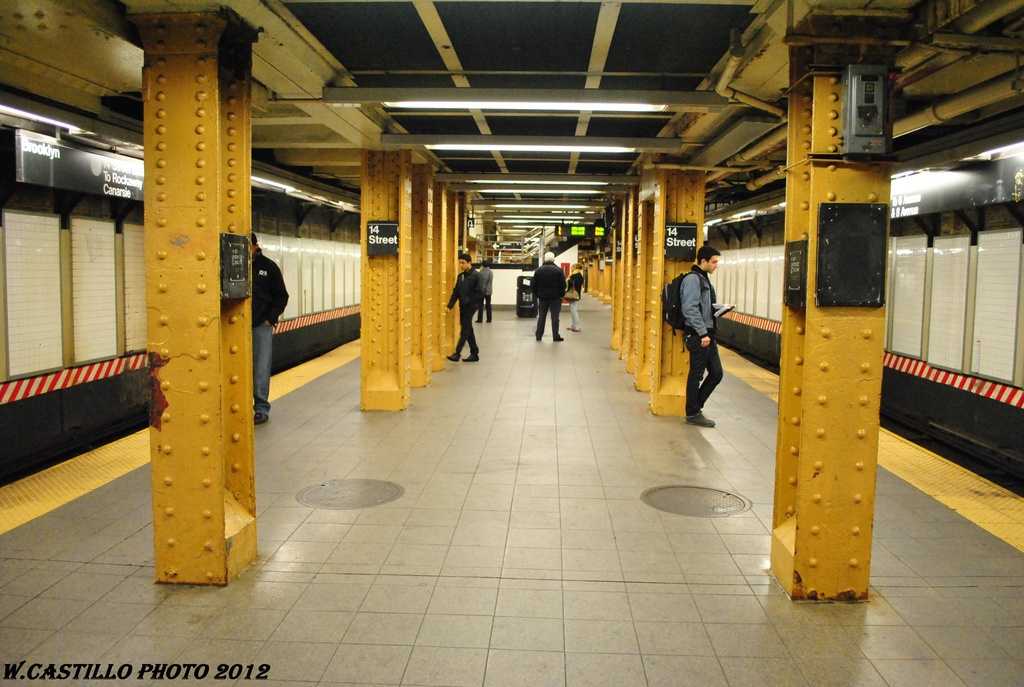 (307k, 1024x687)<br><b>Country:</b> United States<br><b>City:</b> New York<br><b>System:</b> New York City Transit<br><b>Line:</b> BMT Canarsie Line<br><b>Location:</b> Union Square <br><b>Photo by:</b> Wilfredo Castillo<br><b>Date:</b> 4/26/2012<br><b>Viewed (this week/total):</b> 4 / 594