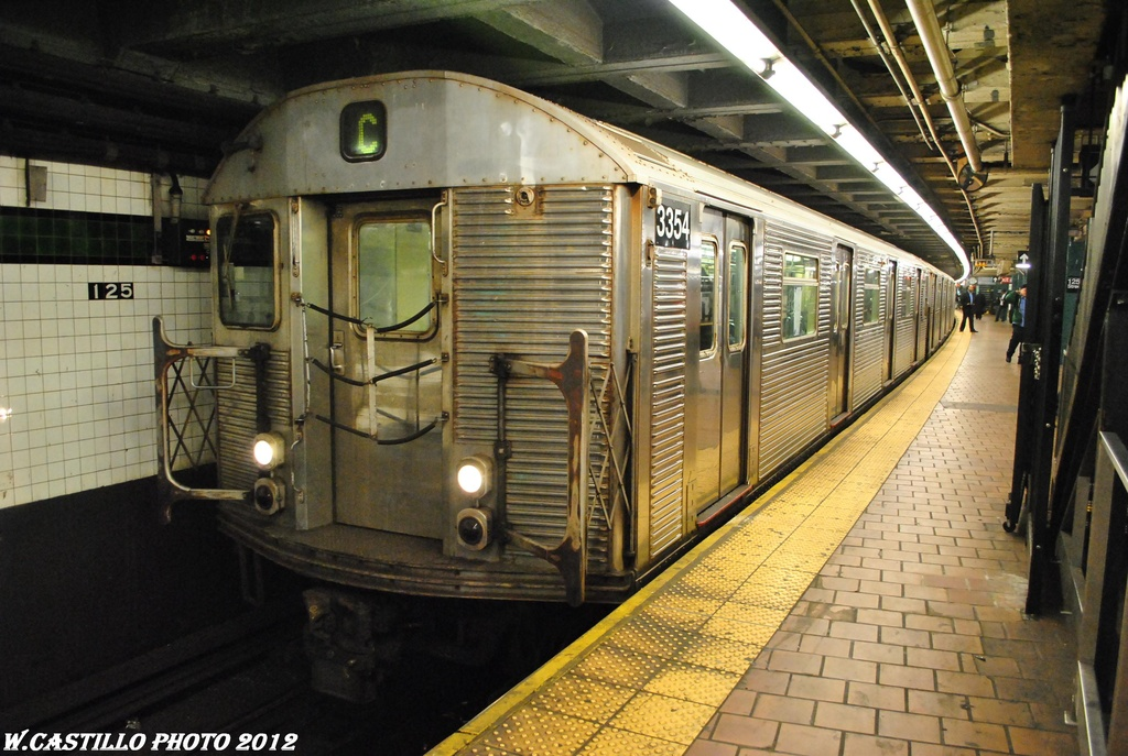 (329k, 1024x687)<br><b>Country:</b> United States<br><b>City:</b> New York<br><b>System:</b> New York City Transit<br><b>Line:</b> IND 8th Avenue Line<br><b>Location:</b> 125th Street <br><b>Route:</b> C<br><b>Car:</b> R-32 (Budd, 1964)  3354 <br><b>Photo by:</b> Wilfredo Castillo<br><b>Date:</b> 4/25/2012<br><b>Viewed (this week/total):</b> 2 / 1063