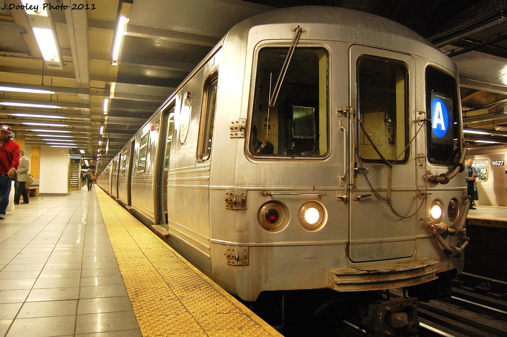 (363k, 1024x680)<br><b>Country:</b> United States<br><b>City:</b> New York<br><b>System:</b> New York City Transit<br><b>Line:</b> IND 8th Avenue Line<br><b>Location:</b> 14th Street <br><b>Route:</b> A<br><b>Car:</b> R-46 (Pullman-Standard, 1974-75) 5944 <br><b>Photo by:</b> John Dooley<br><b>Date:</b> 11/14/2011<br><b>Viewed (this week/total):</b> 1 / 606