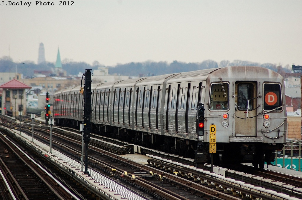 (329k, 1024x680)<br><b>Country:</b> United States<br><b>City:</b> New York<br><b>System:</b> New York City Transit<br><b>Line:</b> BMT West End Line<br><b>Location:</b> 71st Street <br><b>Route:</b> D<br><b>Car:</b> R-68 (Westinghouse-Amrail, 1986-1988)  2532 <br><b>Photo by:</b> John Dooley<br><b>Date:</b> 3/2/2012<br><b>Viewed (this week/total):</b> 0 / 737