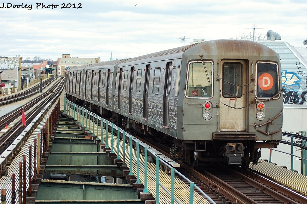 (390k, 1024x680)<br><b>Country:</b> United States<br><b>City:</b> New York<br><b>System:</b> New York City Transit<br><b>Line:</b> BMT West End Line<br><b>Location:</b> 62nd Street <br><b>Route:</b> D<br><b>Car:</b> R-68 (Westinghouse-Amrail, 1986-1988)  2616 <br><b>Photo by:</b> John Dooley<br><b>Date:</b> 1/8/2012<br><b>Viewed (this week/total):</b> 2 / 584