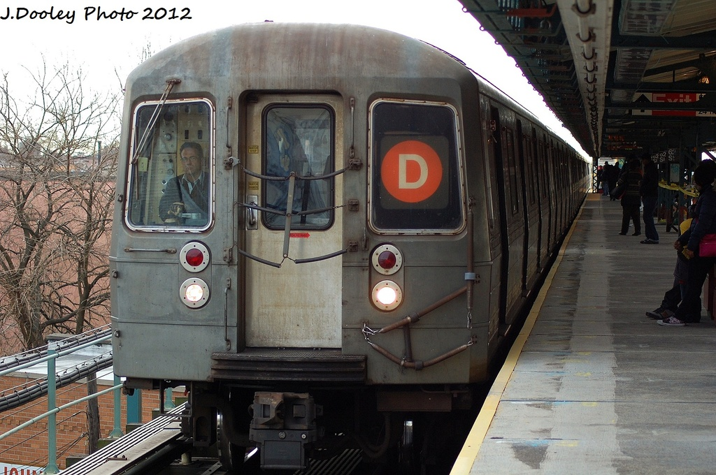 (347k, 1024x680)<br><b>Country:</b> United States<br><b>City:</b> New York<br><b>System:</b> New York City Transit<br><b>Line:</b> BMT West End Line<br><b>Location:</b> 62nd Street <br><b>Route:</b> D<br><b>Car:</b> R-68 (Westinghouse-Amrail, 1986-1988)  2698 <br><b>Photo by:</b> John Dooley<br><b>Date:</b> 1/8/2012<br><b>Viewed (this week/total):</b> 6 / 250