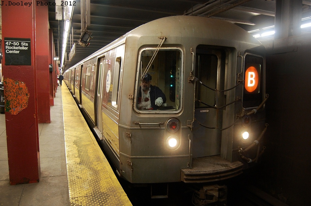 (314k, 1024x680)<br><b>Country:</b> United States<br><b>City:</b> New York<br><b>System:</b> New York City Transit<br><b>Line:</b> IND 6th Avenue Line<br><b>Location:</b> 47-50th Street/Rockefeller Center <br><b>Route:</b> B<br><b>Car:</b> R-68 (Westinghouse-Amrail, 1986-1988)  2872 <br><b>Photo by:</b> John Dooley<br><b>Date:</b> 3/12/2012<br><b>Viewed (this week/total):</b> 0 / 295
