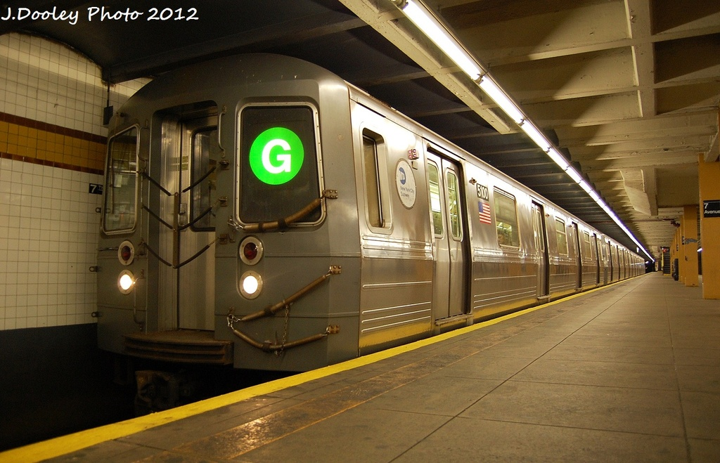(306k, 1024x659)<br><b>Country:</b> United States<br><b>City:</b> New York<br><b>System:</b> New York City Transit<br><b>Line:</b> IND Crosstown Line<br><b>Location:</b> 7th Avenue/Park Slope <br><b>Route:</b> G<br><b>Car:</b> R-68A (Kawasaki, 1988-1989)  5100 <br><b>Photo by:</b> John Dooley<br><b>Date:</b> 1/20/2012<br><b>Viewed (this week/total):</b> 5 / 1146