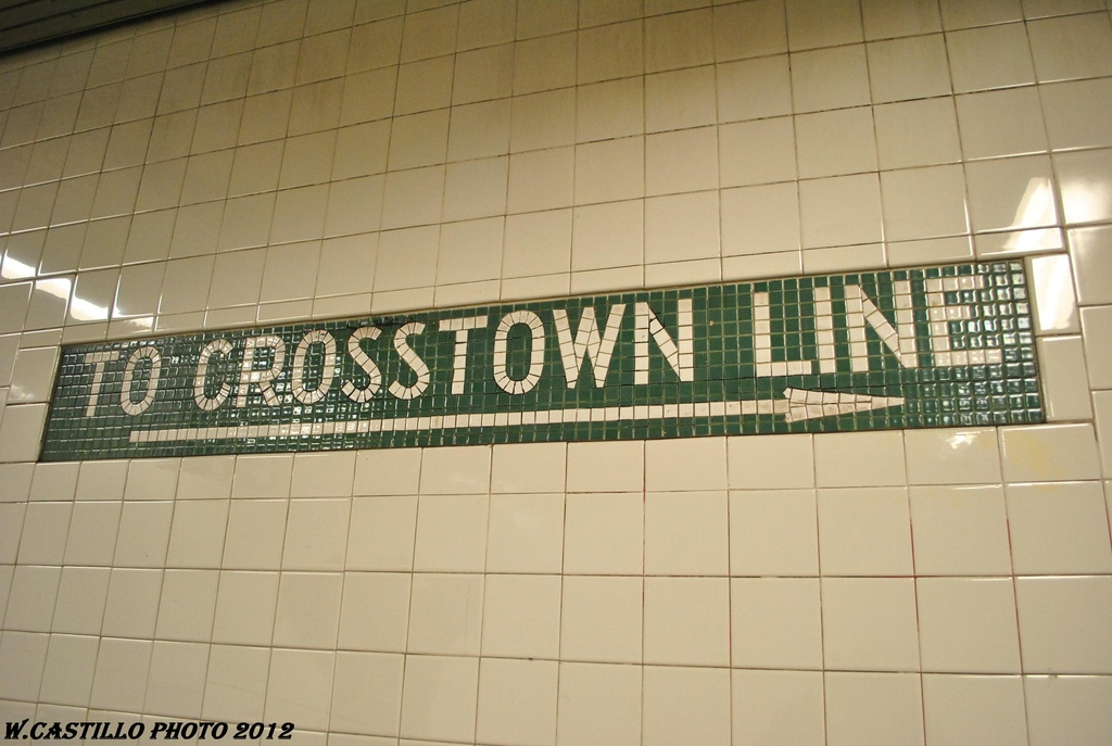 (253k, 1024x687)<br><b>Country:</b> United States<br><b>City:</b> New York<br><b>System:</b> New York City Transit<br><b>Line:</b> BMT Canarsie Line<br><b>Location:</b> Lorimer Street <br><b>Photo by:</b> Wilfredo Castillo<br><b>Date:</b> 4/27/2012<br><b>Viewed (this week/total):</b> 0 / 96