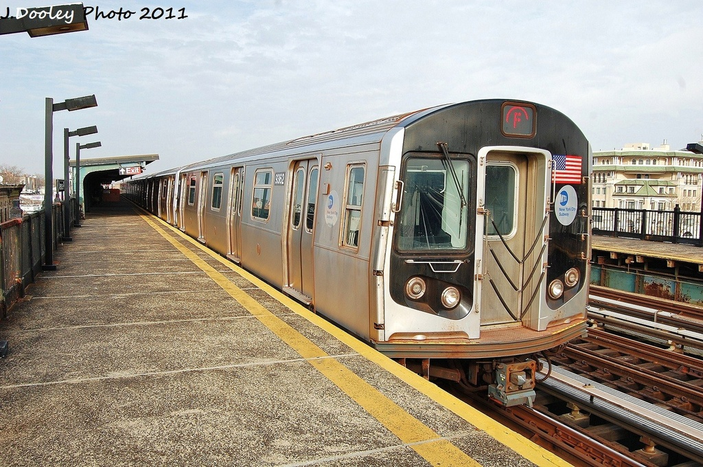 (422k, 1024x680)<br><b>Country:</b> United States<br><b>City:</b> New York<br><b>System:</b> New York City Transit<br><b>Line:</b> BMT Culver Line<br><b>Location:</b> Avenue P <br><b>Route:</b> F<br><b>Car:</b> R-160A (Option 1) (Alstom, 2008-2009, 5 car sets)  9362 <br><b>Photo by:</b> John Dooley<br><b>Date:</b> 12/5/2011<br><b>Viewed (this week/total):</b> 1 / 168