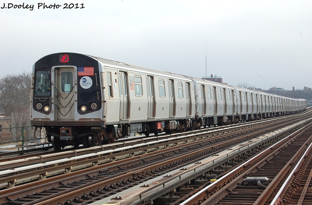 (342k, 1024x674)<br><b>Country:</b> United States<br><b>City:</b> New York<br><b>System:</b> New York City Transit<br><b>Line:</b> BMT Culver Line<br><b>Location:</b> Avenue P <br><b>Route:</b> F<br><b>Car:</b> R-160A (Option 2) (Alstom, 2009, 5-car sets)  9752 <br><b>Photo by:</b> John Dooley<br><b>Date:</b> 12/5/2011<br><b>Viewed (this week/total):</b> 0 / 285