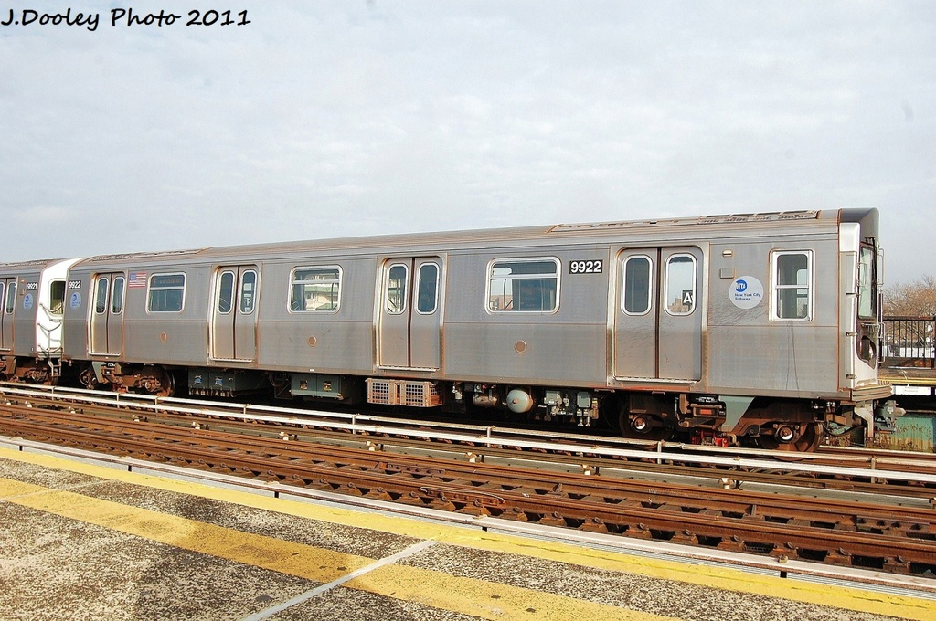 (358k, 1024x680)<br><b>Country:</b> United States<br><b>City:</b> New York<br><b>System:</b> New York City Transit<br><b>Line:</b> BMT Culver Line<br><b>Location:</b> Avenue P <br><b>Route:</b> F<br><b>Car:</b> R-160B (Option 2) (Kawasaki, 2009)  9922 <br><b>Photo by:</b> John Dooley<br><b>Date:</b> 12/5/2011<br><b>Viewed (this week/total):</b> 1 / 245