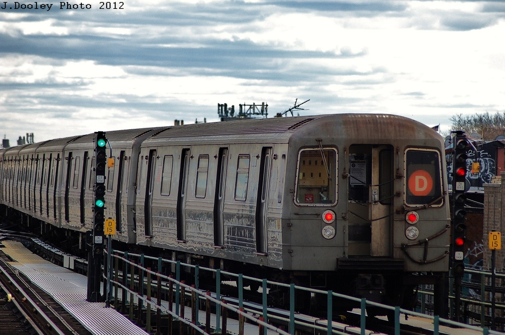 (328k, 1024x680)<br><b>Country:</b> United States<br><b>City:</b> New York<br><b>System:</b> New York City Transit<br><b>Line:</b> BMT West End Line<br><b>Location:</b> 62nd Street <br><b>Route:</b> D<br><b>Car:</b> R-68 (Westinghouse-Amrail, 1986-1988)  2774 <br><b>Photo by:</b> John Dooley<br><b>Date:</b> 3/29/2012<br><b>Viewed (this week/total):</b> 2 / 290