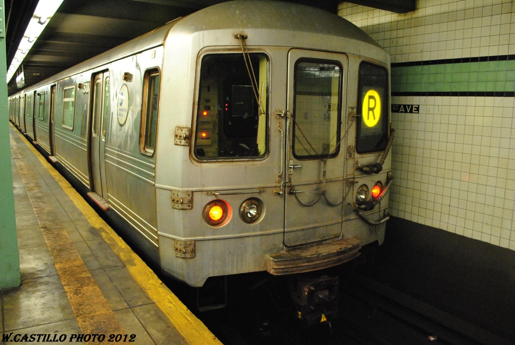(282k, 1024x687)<br><b>Country:</b> United States<br><b>City:</b> New York<br><b>System:</b> New York City Transit<br><b>Line:</b> IND Queens Boulevard Line<br><b>Location:</b> 71st/Continental Aves./Forest Hills <br><b>Route:</b> R<br><b>Car:</b> R-46 (Pullman-Standard, 1974-75) 5708 <br><b>Photo by:</b> Wilfredo Castillo<br><b>Date:</b> 4/30/2012<br><b>Viewed (this week/total):</b> 0 / 393