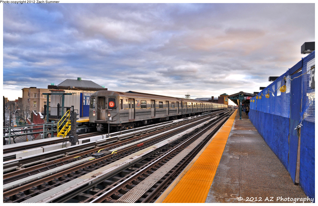 (400k, 1044x678)<br><b>Country:</b> United States<br><b>City:</b> New York<br><b>System:</b> New York City Transit<br><b>Line:</b> BMT West End Line<br><b>Location:</b> Fort Hamilton Parkway <br><b>Route:</b> D<br><b>Car:</b> R-68 (Westinghouse-Amrail, 1986-1988)  2750 <br><b>Photo by:</b> Zach Summer<br><b>Date:</b> 1/27/2012<br><b>Viewed (this week/total):</b> 1 / 328