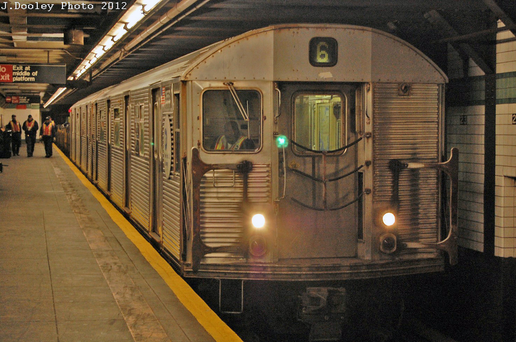 (408k, 1024x680)<br><b>Country:</b> United States<br><b>City:</b> New York<br><b>System:</b> New York City Transit<br><b>Line:</b> IND 6th Avenue Line<br><b>Location:</b> 23rd Street <br><b>Route:</b> Work Service<br><b>Car:</b> R-32 (Budd, 1964)  3553 <br><b>Photo by:</b> John Dooley<br><b>Date:</b> 3/16/2012<br><b>Viewed (this week/total):</b> 0 / 594