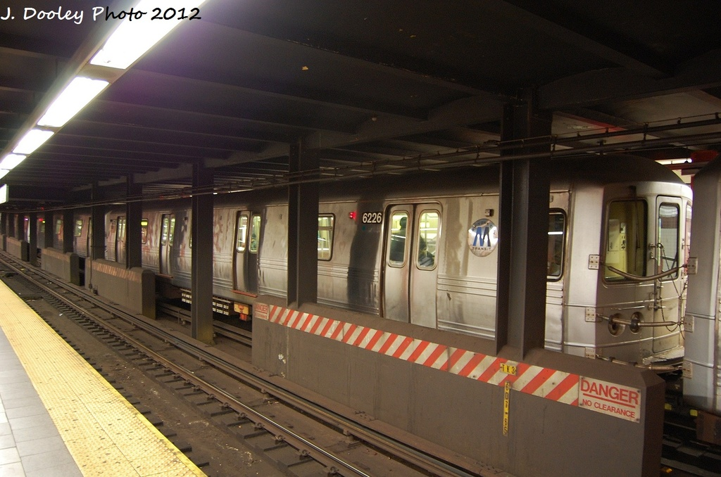 (300k, 1024x678)<br><b>Country:</b> United States<br><b>City:</b> New York<br><b>System:</b> New York City Transit<br><b>Line:</b> IND Fulton Street Line<br><b>Location:</b> Utica Avenue <br><b>Route:</b> A<br><b>Car:</b> R-46 (Pullman-Standard, 1974-75) 6226 <br><b>Photo by:</b> John Dooley<br><b>Date:</b> 1/3/2012<br><b>Viewed (this week/total):</b> 4 / 464