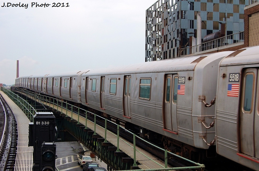 (329k, 1024x677)<br><b>Country:</b> United States<br><b>City:</b> New York<br><b>System:</b> New York City Transit<br><b>Line:</b> BMT Culver Line<br><b>Location:</b> Neptune Avenue <br><b>Route:</b> F<br><b>Car:</b> R-46 (Pullman-Standard, 1974-75) 5519 <br><b>Photo by:</b> John Dooley<br><b>Date:</b> 8/25/2011<br><b>Viewed (this week/total):</b> 6 / 573