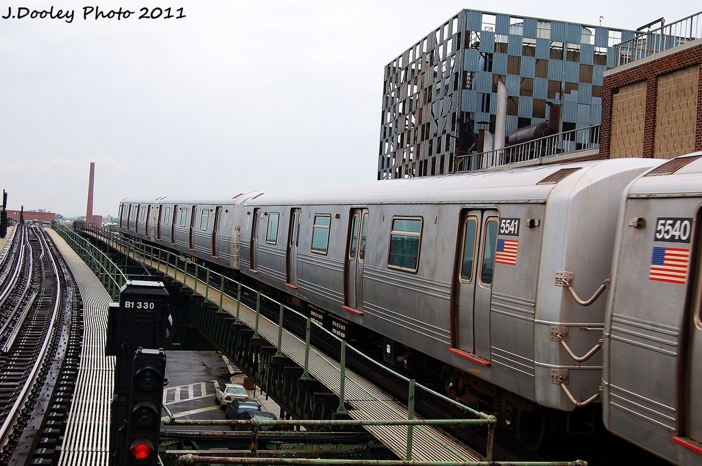 (360k, 1024x680)<br><b>Country:</b> United States<br><b>City:</b> New York<br><b>System:</b> New York City Transit<br><b>Line:</b> BMT Culver Line<br><b>Location:</b> Neptune Avenue <br><b>Route:</b> F<br><b>Car:</b> R-46 (Pullman-Standard, 1974-75) 5541 <br><b>Photo by:</b> John Dooley<br><b>Date:</b> 8/25/2011<br><b>Viewed (this week/total):</b> 0 / 153