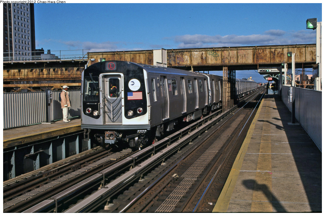 (398k, 1044x694)<br><b>Country:</b> United States<br><b>City:</b> New York<br><b>System:</b> New York City Transit<br><b>Line:</b> BMT Canarsie Line<br><b>Location:</b> Livonia Avenue <br><b>Route:</b> L<br><b>Car:</b> R-143 (Kawasaki, 2001-2002) 8108 <br><b>Photo by:</b> Chao-Hwa Chen<br><b>Date:</b> 12/21/2001<br><b>Viewed (this week/total):</b> 4 / 382