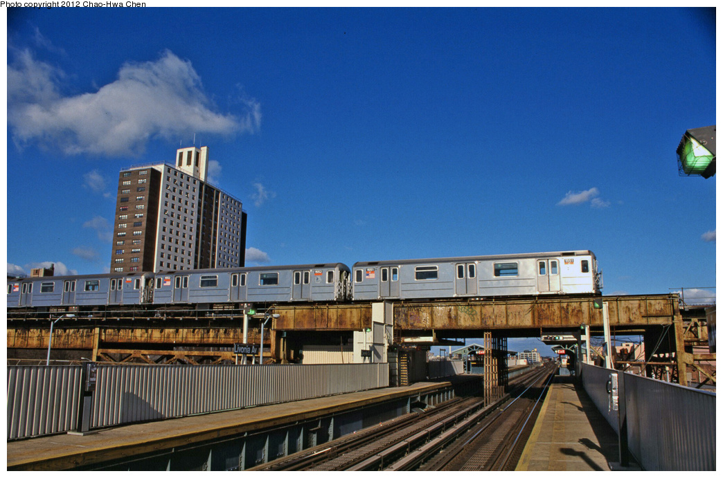 (360k, 1044x691)<br><b>Country:</b> United States<br><b>City:</b> New York<br><b>System:</b> New York City Transit<br><b>Line:</b> IRT Brooklyn Line<br><b>Location:</b> Junius Street <br><b>Route:</b> 4<br><b>Car:</b> R-62 (Kawasaki, 1983-1985)  1551 <br><b>Photo by:</b> Chao-Hwa Chen<br><b>Date:</b> 12/21/2001<br><b>Viewed (this week/total):</b> 1 / 563