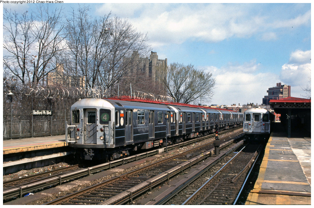 (474k, 1044x693)<br><b>Country:</b> United States<br><b>City:</b> New York<br><b>System:</b> New York City Transit<br><b>Line:</b> IRT Woodlawn Line<br><b>Location:</b> Bedford Park Boulevard <br><b>Route:</b> 4<br><b>Car:</b> R-62 (Kawasaki, 1983-1985)  1586 <br><b>Photo by:</b> Chao-Hwa Chen<br><b>Date:</b> 3/22/2002<br><b>Viewed (this week/total):</b> 0 / 992