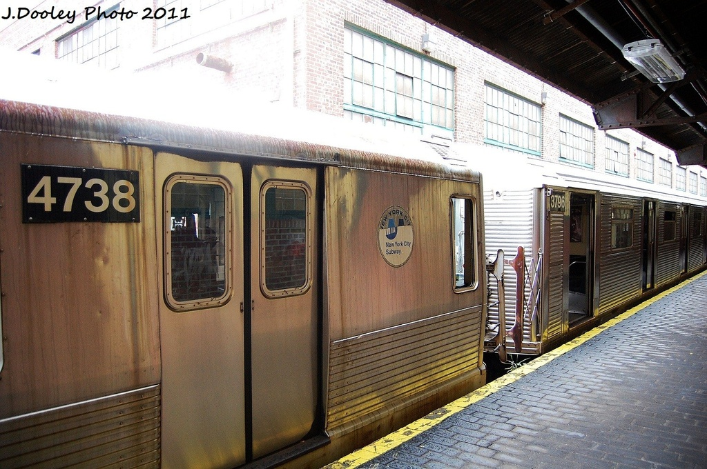 (376k, 1024x680)<br><b>Country:</b> United States<br><b>City:</b> New York<br><b>System:</b> New York City Transit<br><b>Location:</b> 207th Street Yard<br><b>Car:</b> R-42 (St. Louis, 1969-1970)  4738 <br><b>Photo by:</b> John Dooley<br><b>Date:</b> 11/29/2011<br><b>Viewed (this week/total):</b> 3 / 293