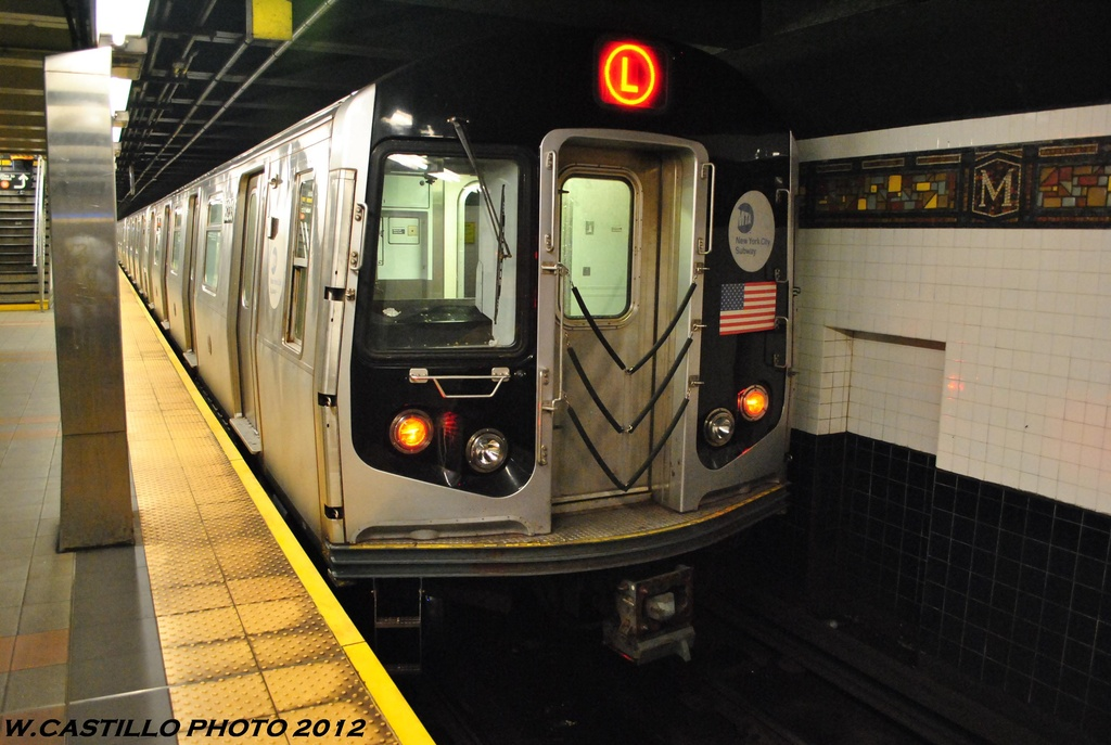 (280k, 1024x687)<br><b>Country:</b> United States<br><b>City:</b> New York<br><b>System:</b> New York City Transit<br><b>Line:</b> BMT Myrtle Avenue Line<br><b>Location:</b> Wyckoff Avenue <br><b>Route:</b> L<br><b>Car:</b> R-143 (Kawasaki, 2001-2002) 8233 <br><b>Photo by:</b> Wilfredo Castillo<br><b>Date:</b> 5/16/2012<br><b>Viewed (this week/total):</b> 4 / 643