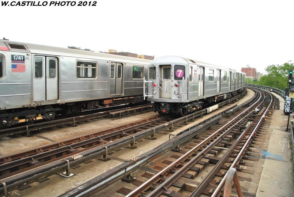 (298k, 1024x687)<br><b>Country:</b> United States<br><b>City:</b> New York<br><b>System:</b> New York City Transit<br><b>Line:</b> IRT Flushing Line<br><b>Location:</b> 46th Street/Bliss Street <br><b>Route:</b> 7<br><b>Car:</b> R-62A (Bombardier, 1984-1987)  1736 <br><b>Photo by:</b> Wilfredo Castillo<br><b>Date:</b> 5/14/2012<br><b>Viewed (this week/total):</b> 1 / 315