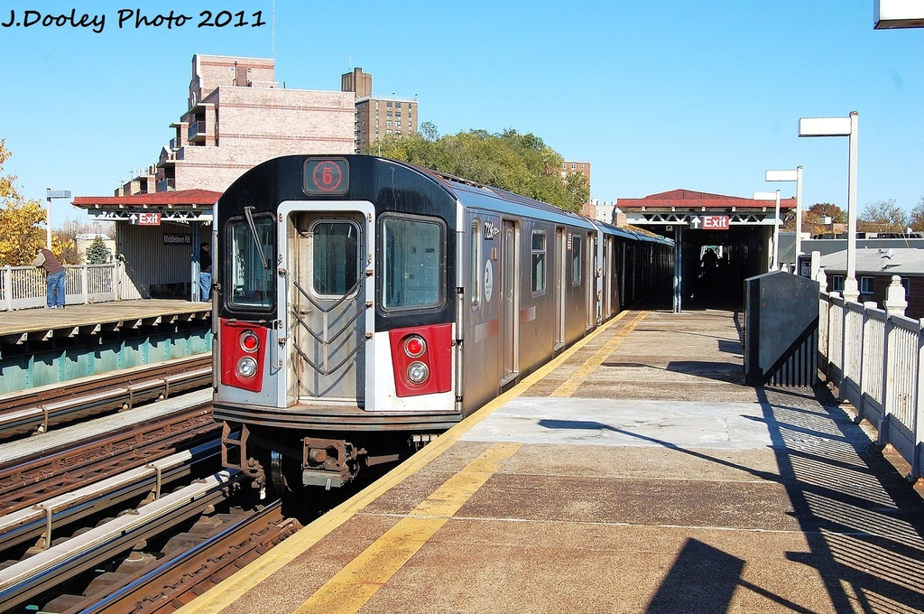 (413k, 1024x680)<br><b>Country:</b> United States<br><b>City:</b> New York<br><b>System:</b> New York City Transit<br><b>Line:</b> IRT Pelham Line<br><b>Location:</b> Middletown Road <br><b>Route:</b> 6<br><b>Car:</b> R-142A (Primary Order, Kawasaki, 1999-2002)  7236 <br><b>Photo by:</b> John Dooley<br><b>Date:</b> 11/5/2011<br><b>Viewed (this week/total):</b> 3 / 271