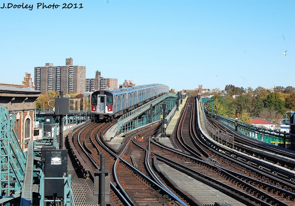 (433k, 1024x716)<br><b>Country:</b> United States<br><b>City:</b> New York<br><b>System:</b> New York City Transit<br><b>Line:</b> IRT Pelham Line<br><b>Location:</b> Westchester Square <br><b>Route:</b> 6<br><b>Car:</b> R-142A (Primary Order, Kawasaki, 1999-2002)  7500 <br><b>Photo by:</b> John Dooley<br><b>Date:</b> 11/5/2011<br><b>Viewed (this week/total):</b> 0 / 347